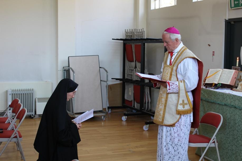 Sr Maries Liesse renewing her vows to Bishop Williamson.