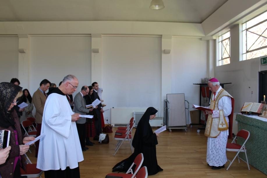 Sr Marie Liesse renewing her vows
